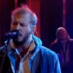 Bon Iver deslumbra con la interpretación de 'Towers' en el show de Jools Holland