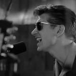 Arctic Monkeys: un acústico en blanco y negro