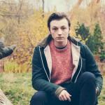 Lewis Watson: streaming del nuevo álbum y videoclip de 'Holding On'
