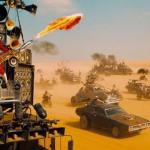 """Descubriendo la historia del guitarrista lanzallamas de """"Mad Max: Furia en la Carretera"""""""