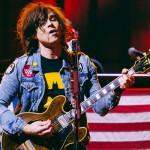 Ryan Adams versionó 'Times Like These' de Foo Fighters