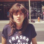 Courtney Barnett toma la senda luminosa con 'Three Packs A Day'