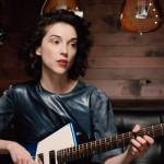 St. Vincent diseña una guitarra eléctrica para mujeres