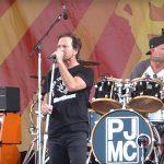 Miembros de Pearl Jam, Red Hot Chili Peppers y Kings Of Leon tocaron juntos en Nueva Orleans
