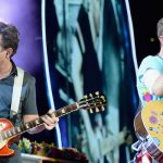 Michael J. Fox se animó a interpretar dos temas de Regreso Al Futuro junto a Coldplay