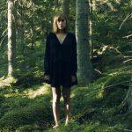 Anna Von Hausswolff se adentra en la naturaleza salvaje en 'Come Wander With Me / Deliverance'