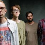 Cloud Nothings se visten de Weezer en 'Internal World'