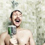 ¿Por qué cantamos mejor en la ducha?