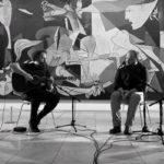 Exquirla deslumbran frente al Guernica con 'Destruidnos Juntos' y 'Europa Muda'