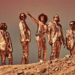 Arcade Fire beben de The Clash en un nuevo tema: 'Signs Of Life'