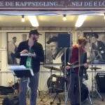 Justin Vernon (Bon Iver) y Aaron Dessner (The National) tocan para una docena de personas en Suecia