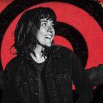 Courtney Barnett regresa con las joviales distorsiones de 'Nameless, Faceless'