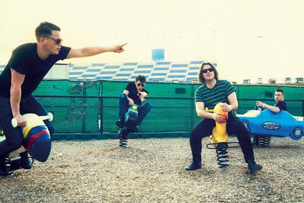 Arctic Monkeys estrenan otro tema nuevo en directo
