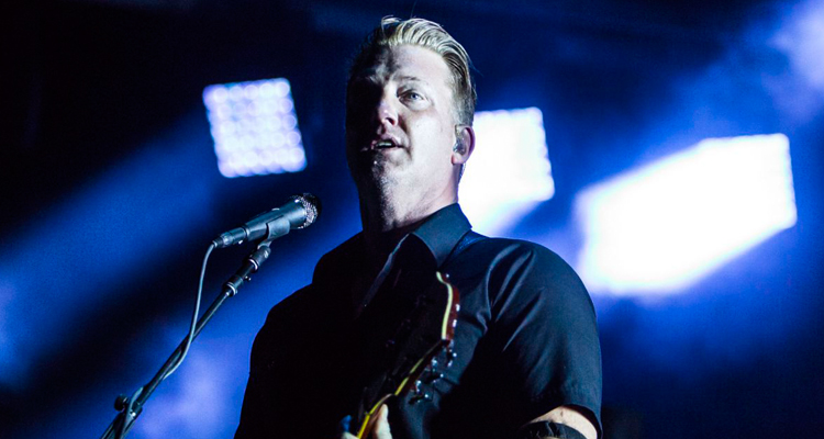 queens of the stone age dos temas