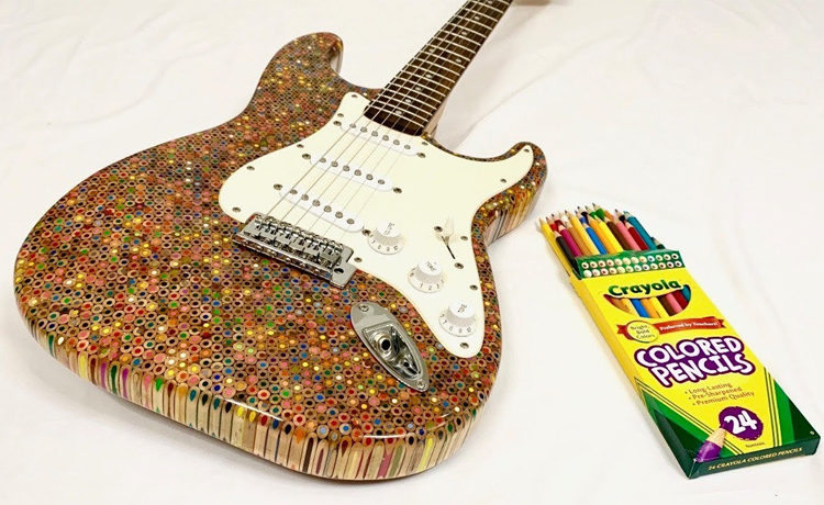 El cuerpo de esta Stratocaster está compuesto por 1.200 lápices de colores
