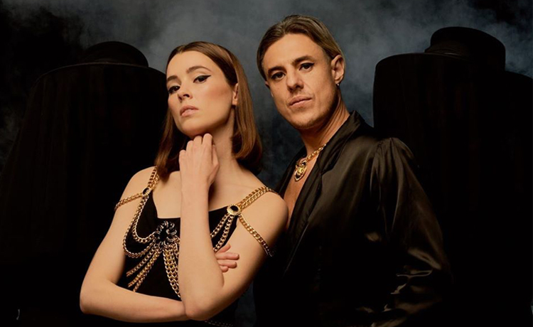 confidence man know how to make you feel good